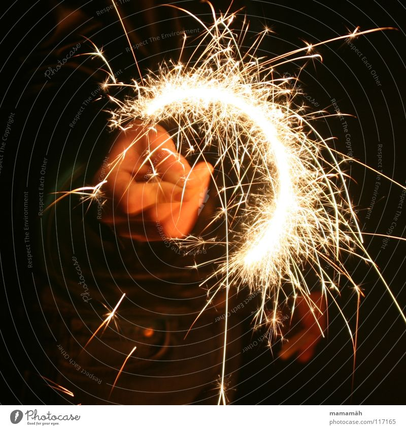 Hand Dark Bright Blaze Fire Circle New Year's Eve Painting (action, work) Draw Spark Spray Sparkler Semicircle