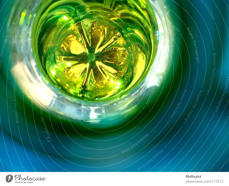 Water Green Empty Beverage Logistics Drinking Round Floor covering Trash Plastic Bottle Boredom Juice Refreshment Environmental protection Reaction