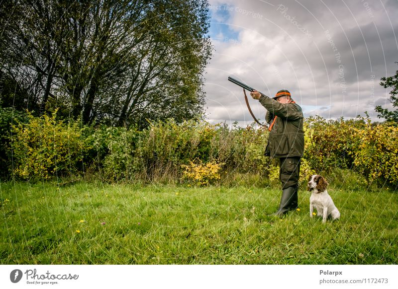 Hunter in the nature Dog Human being Nature Man Landscape Adults Autumn Senior citizen Meadow Sports Playing Leisure and hobbies Wild Action 60 years and older 45 - 60 years