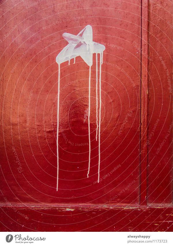 City Colour Red Dye Graffiti Wood Freedom Door Star (Symbol) Sign Hamburg Aggression Street art Minimalistic Chic Daub