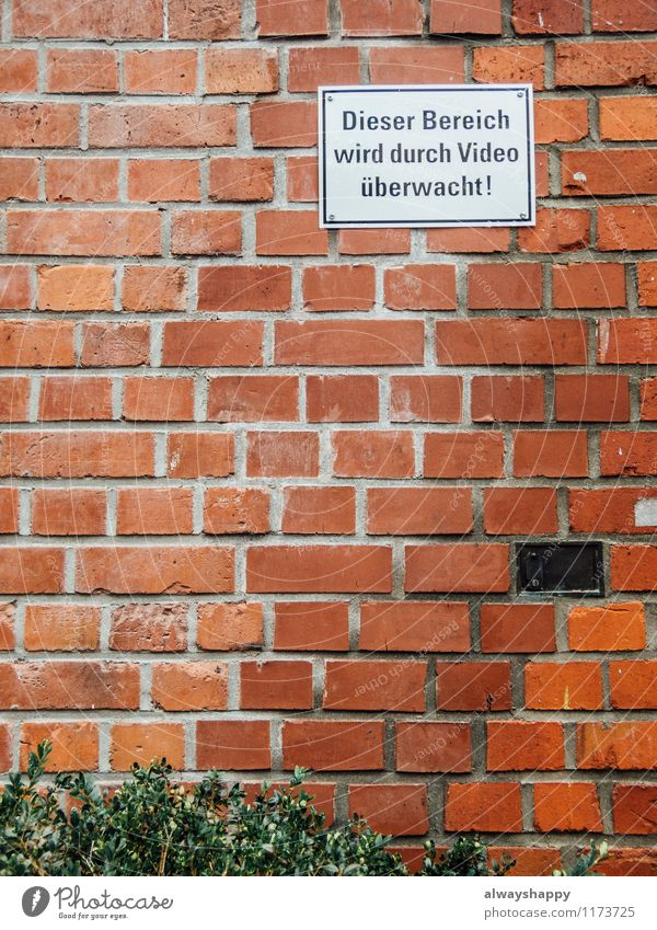 City Green White Red House (Residential Structure) Wall (building) Emotions Wall (barrier) Brown Fear Dirty Esthetic Observe Threat Broken Hamburg