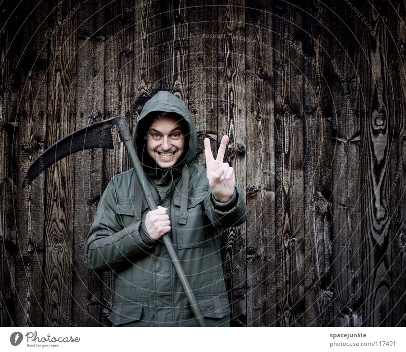 peace Man Portrait photograph Freak Wall (building) Wood Winter Cold Fear Eerie Panic Scythe Agriculture Peace Whimsical Funny Joy Structures and shapes