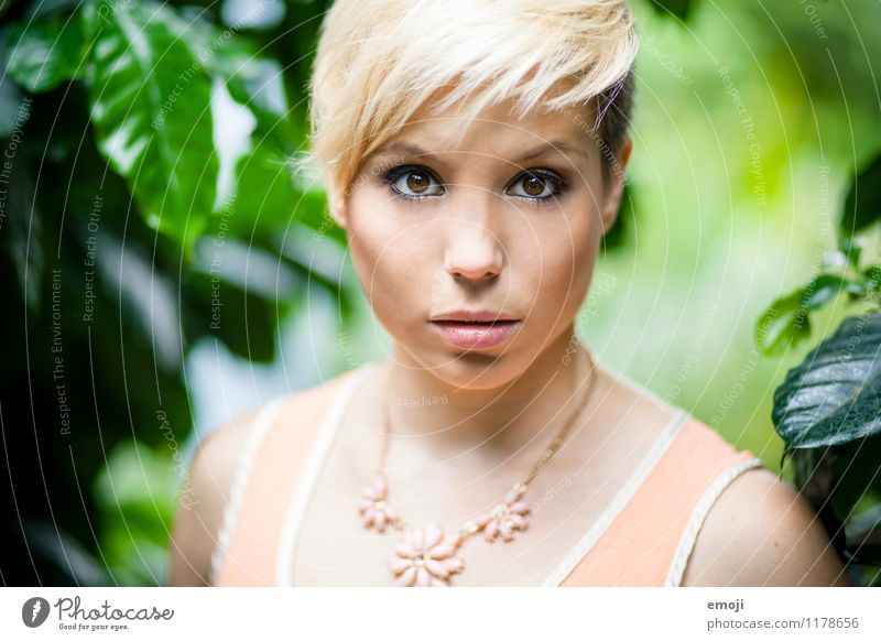 face Feminine Young woman Youth (Young adults) 1 Human being 18 - 30 years Adults Blonde Short-haired Hip & trendy Beautiful Colour photo Exterior shot Day