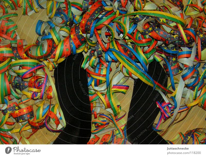 Green Blue Red Joy Black Yellow Colour Party Feet Feasts & Celebrations Floor covering Carnival Club Muddled Paper chain