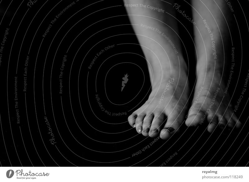 ...it... Toes Black White Women`s feet Nail Calf Black & white photo Feet Ankle Contrast toe toenail Parts of body Barefoot