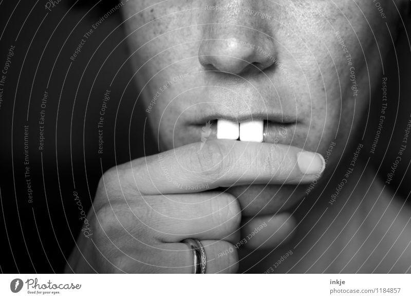 Rudi Ratlos Lifestyle Joy Leisure and hobbies Adults Face Teeth Fingers 1 Human being Incisor Buck teeth Think Nerdy Trashy Emotions Caution Wisdom Smart