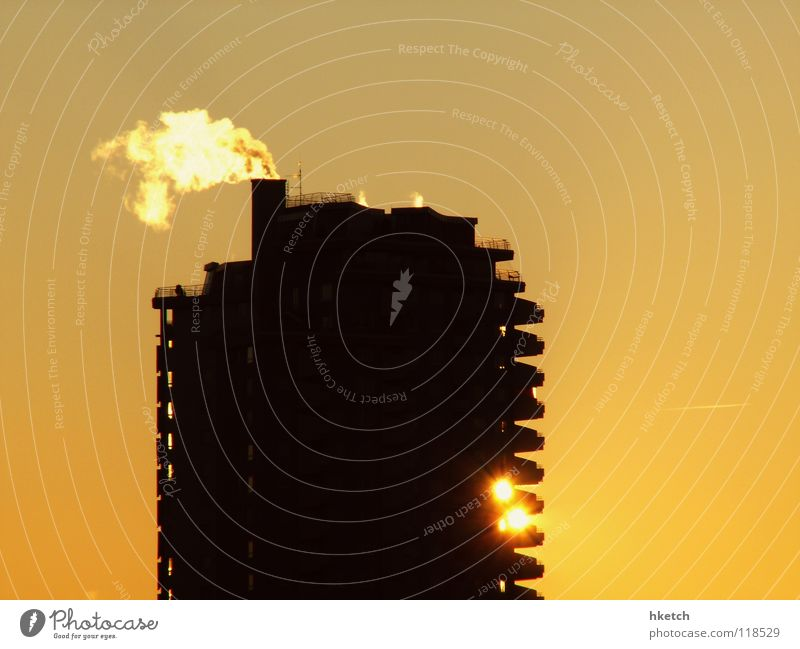 Sky Sun Winter House (Residential Structure) Cold Building Weather Large High-rise Horizon Frost Vantage point Living or residing Smoke Beautiful weather