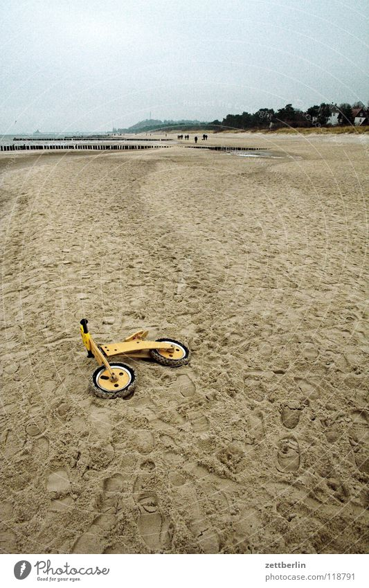 Bansin-Ahlbeck Rally Beach Bicycle Kiddy bike Forget Doomed Lose Toys Playing Ocean Coast Mecklenburg-Western Pomerania Leisure and hobbies Children's room Sand
