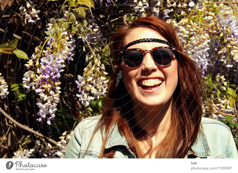 Human being Youth (Young adults) Beautiful Young woman Joy 18 - 30 years Adults Feminine Happy Fresh Happiness Joie de vivre (Vitality) Euphoria Enthusiasm