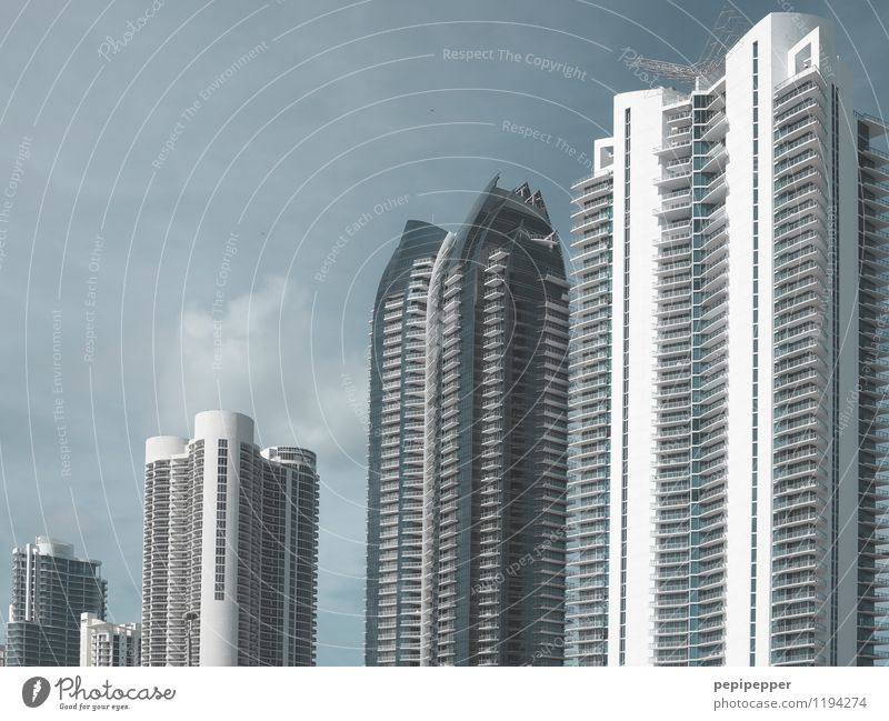 Vacation & Travel City House (Residential Structure) Stone Flat (apartment) Living or residing Tourism Office High-rise Trip Skyline Bank building