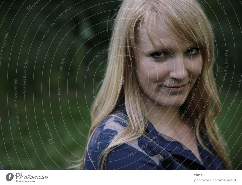 Human being Woman Beautiful Calm Adults Life Feminine Time Moody Park Contentment Blonde Wait Smiling Observe Curiosity