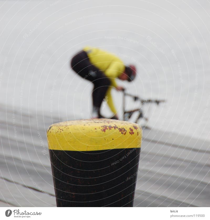 COLOUR COMPARISON Yellow Bicycle Cleaning Refreshment Black wood Wooden floor Plank Mountain bike Footbridge Laundry Cycle race Racing cycle Leisure and hobbies