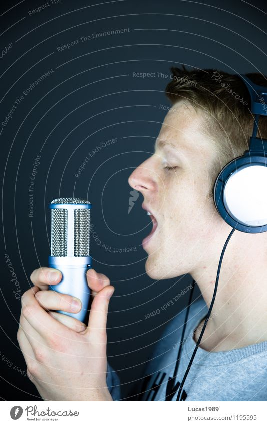 Human being Youth (Young adults) Man Young man 18 - 30 years Adults Masculine Music Crazy Communicate Scream Headphones Microphone Sing Musician Song