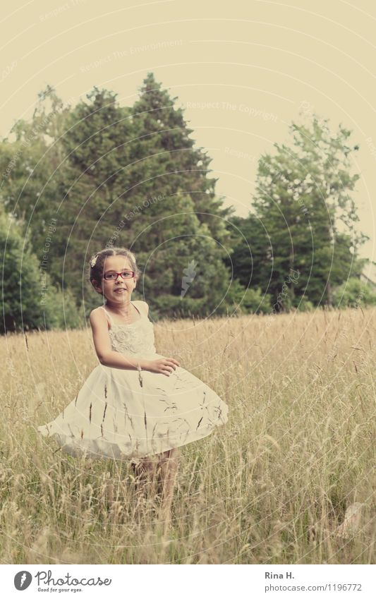 summertime V Girl 1 Human being 3 - 8 years Child Infancy Nature Landscape Summer Tree Meadow Dress Eyeglasses Hair and hairstyles Curl Braids Rotate Smiling