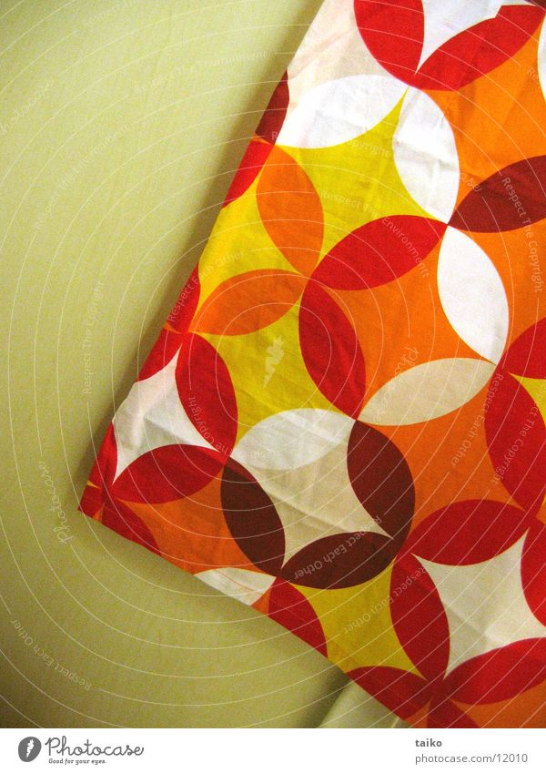 Red Yellow Orange Obscure Pattern Seventies Wallpaper pattern
