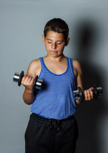 weight problem Lifestyle Sports Fitness Sports Training Human being Boy (child) 1 Cool (slang) Muscular Emotions Optimism Power Passion Diligent Disciplined
