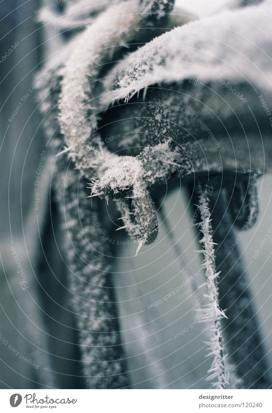 Beautiful Winter Cold Snow Ice Bicycle Sleep Frost Safety Driving Pelt Stop To hold on Touch Frozen Freeze
