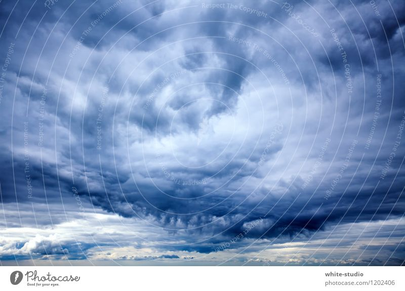 Uncomfortable Environment Nature Sky Sky only Clouds Storm clouds Threat Dark Bad weather Vantage point Regen County Raincloud Gale Storm warning Cloud pattern
