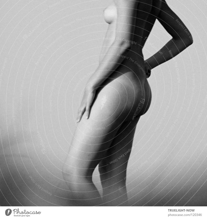 Woman Sky Nature Beautiful Naked Loneliness Calm Female nude Far-off places Adults Feminine Freedom Natural Open Skin