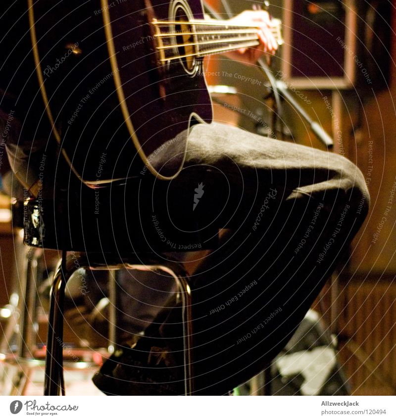 Playing Music Wait Break Chair Concert Countries Rock music Guitar Stage Piano Musical instrument Microphone Make music Musical instrument string Rocking out