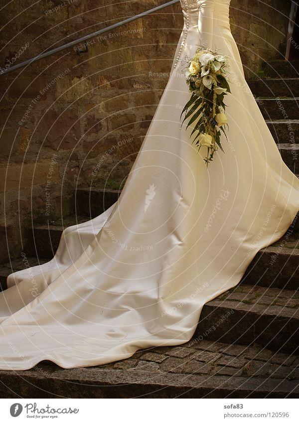 White Flower Wedding Stairs Dress Bouquet Bride Wedding dress