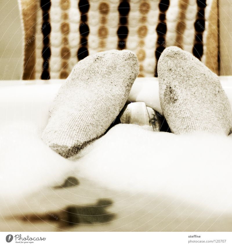Human being Man Water White Green Joy Black Yellow Relaxation Warmth Feet Swimming & Bathing Skin Cleaning Clean Bathroom