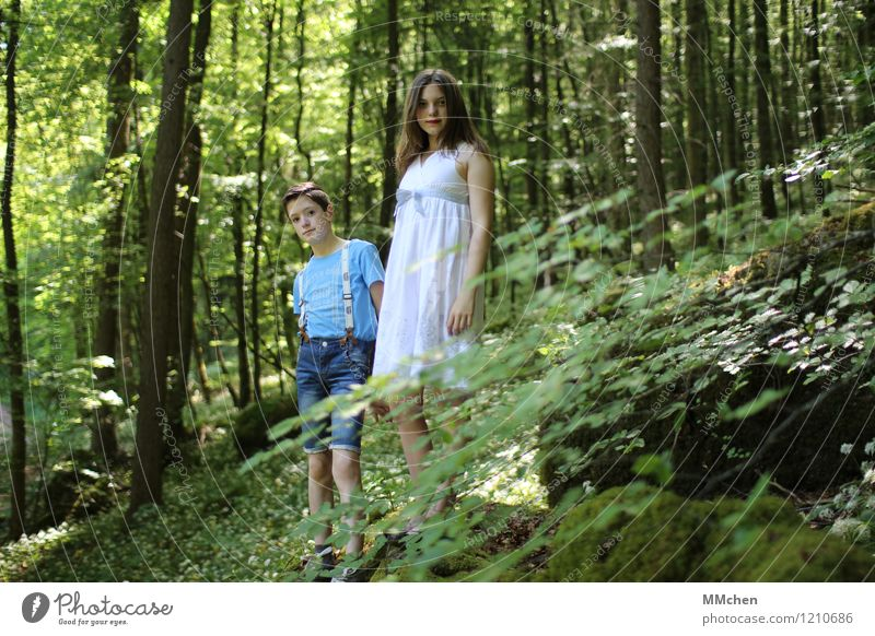 vision Masculine Feminine Girl Boy (child) Brothers and sisters Sister Friendship Infancy 2 Human being 8 - 13 years Child Summer Park Forest Dress Suspenders