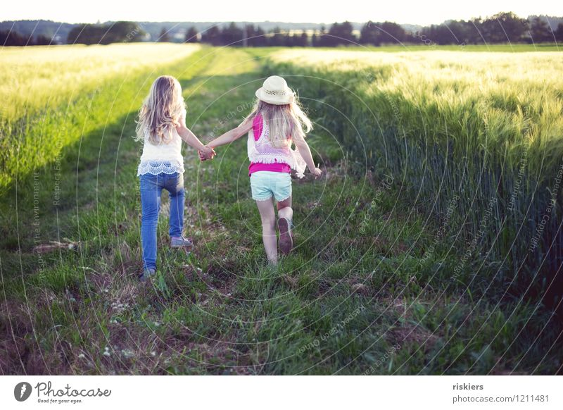 Human being Child Nature Plant Summer Joy Girl Environment Love Natural Feminine Playing Happy Family & Relations Together Friendship