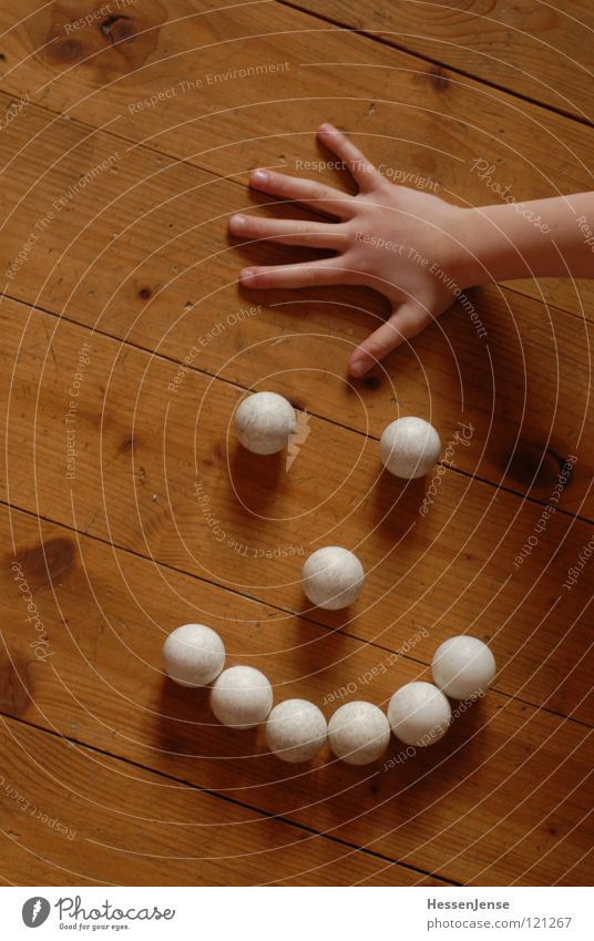 Hand Joy Background picture Playing Wood Laughter Arrangement Arm Fingers Floor covering Hope Ball Sphere Coil Untidy