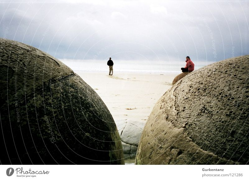 The eggs of Satan Moeraki Moeraki Boulder New Zealand Beach Coast Ocean Round South Island Autumn Stone Minerals boulders 2 persons hoirzont monolithic Ball