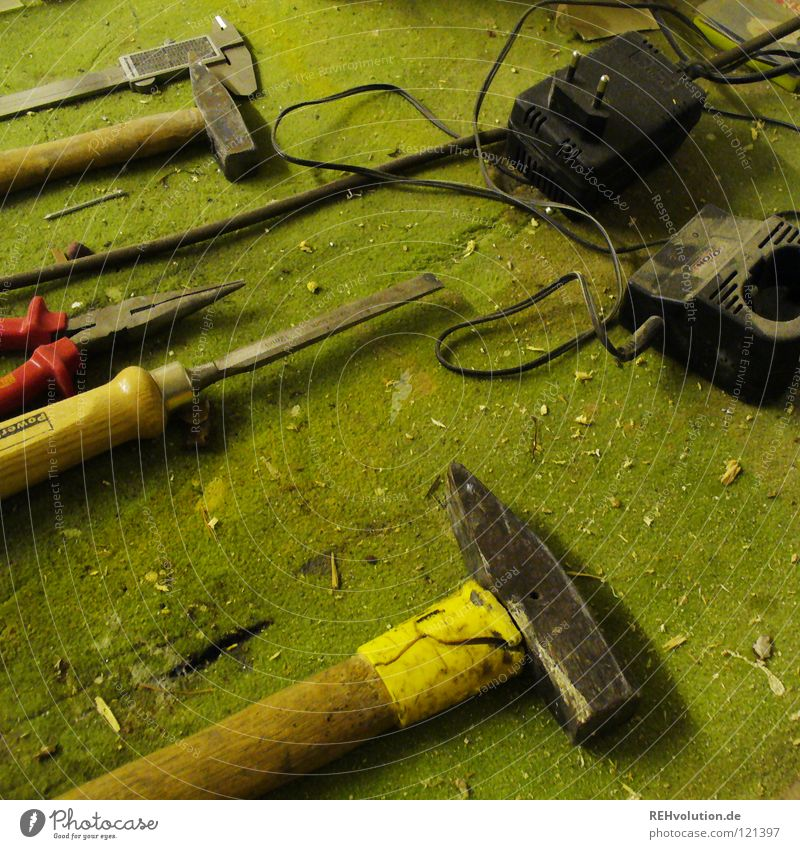 Old Green Art Leisure and hobbies Dirty Cable Profession Craft (trade) Tool Build Craftsperson Carpet Dust Nail Handicraft Untidy
