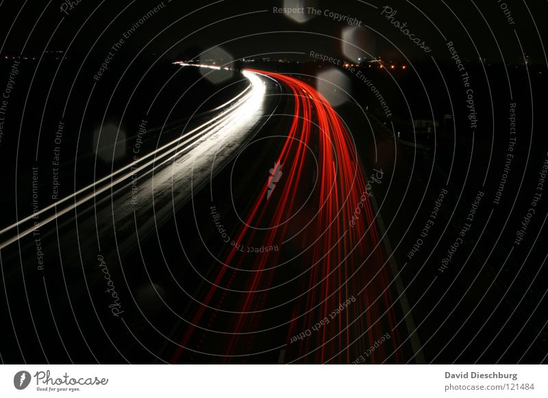 Recommended speed 130 Highway Federal highway Multi-line Wet Drops of water Red Yellow Direction Long exposure Crash barrier Truck Speed Dark Night Line