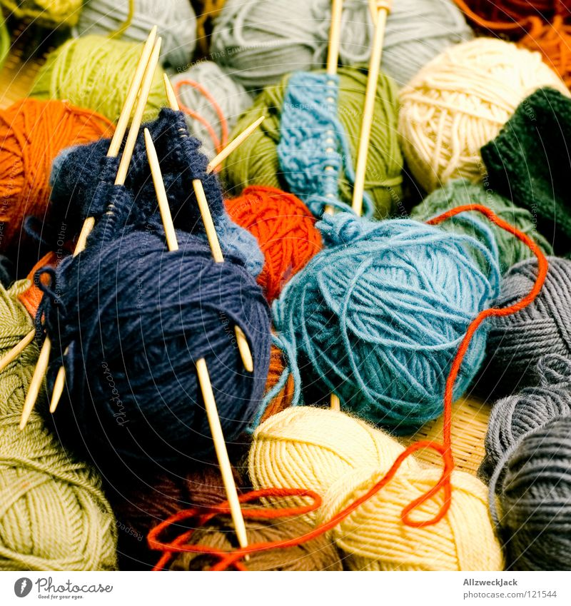 soon I will be a pot-holder Wool Knot Knit Knitting needle Rope Ball of wool Coil Multicoloured Green Red Craft (trade) Leisure and hobbies Sewing Authentic