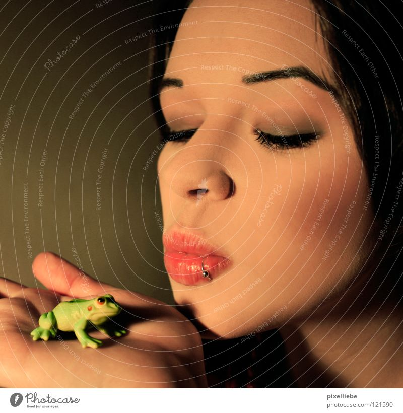 Frog King, the second! Summer Woman Adults Kissing Love Love of animals Infatuation Romance Beautiful Desire Frog Prince Fairy tale Lady Princess Piercing Pout