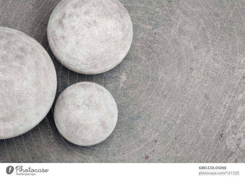 A round thing Concrete Gray Unicoloured Heavy Grief Distress Decoration Stone Minerals Fleet three fast 3-er Sphere garden decoration