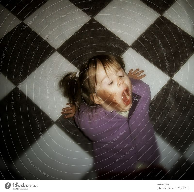 Child Hand Girl Dirty Kitchen Floor covering Tile Fatigue Toddler Brash Support Yawn Beast Hearty Pippi Longstocking
