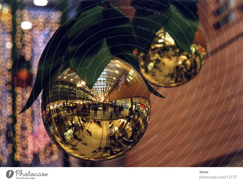 Human being Christmas & Advent Winter Moody Glittering Decoration Gold Shopping Kitsch Sphere Anticipation City trip Glitter Ball Shopping malls