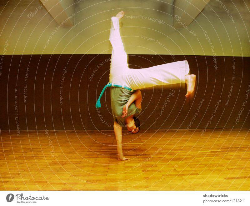 Woman Human being Calm Relaxation Sports Contentment Dance Martial arts Gymnastics Brazil Acrobatics School sport Handstand Gravity South America Capoeira