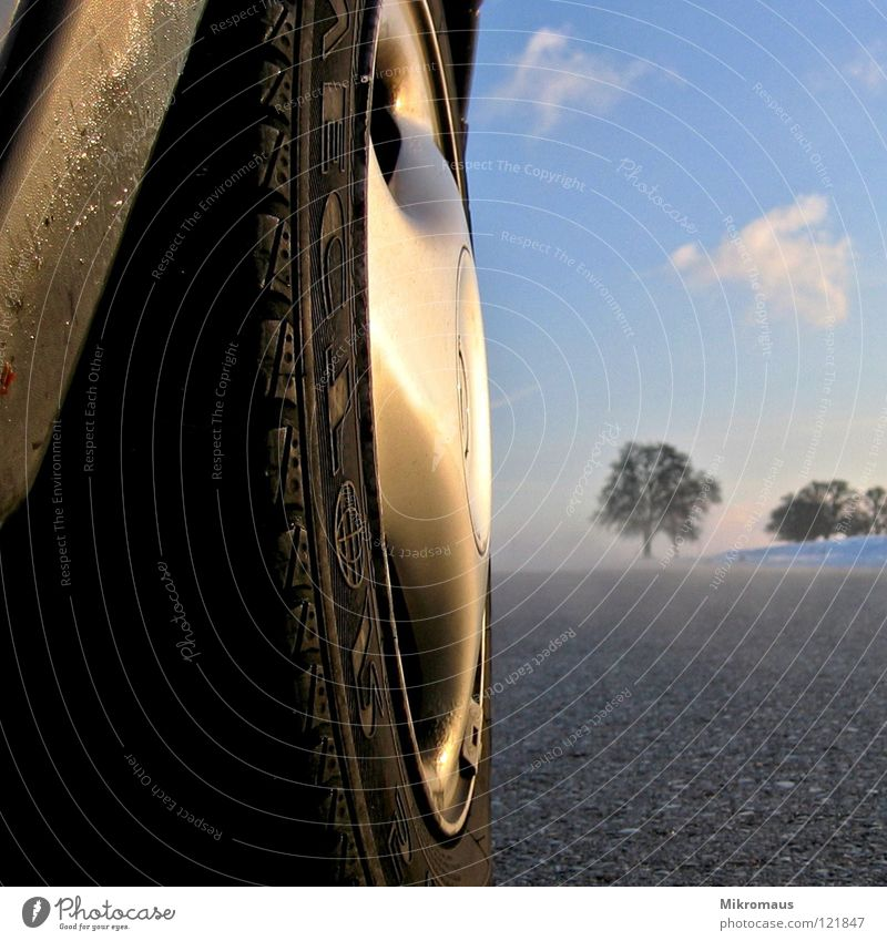 Heiligs Blechle Tin Winter Snowscape Afternoon Afternoon sun Evening Evening sun Street Fog Pavement Motor vehicle Car Tire Wheel Wheel cover Sky Landscape