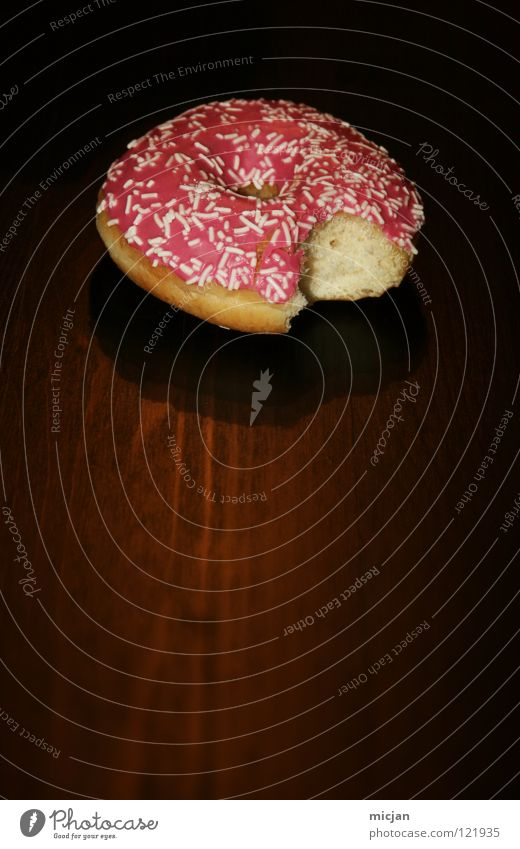 yammi Donut Baked goods Delicious Sweet Pink Black Nutrition Cake Candy Icing Sugar White Table Wood Tabletop Dough Appetite Unhealthy Calorie Fatty food Fluffy