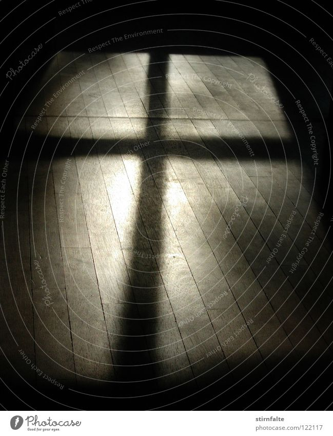 Calm Dark Window Wood Think Religion and faith Grief Floor covering Transience Christian cross Fluid Obscure Crucifix Distress Belief Christianity