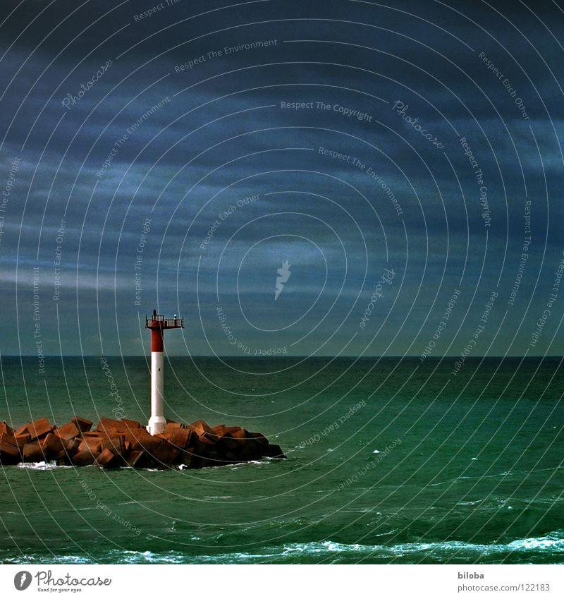 Water Sky Ocean Green Dark Sadness Lanes & trails Watercraft Going Fog Horizon Grief Harbour Direction France Radiation
