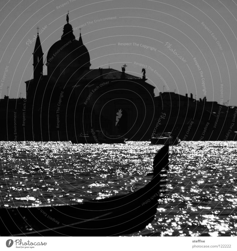 Water Vacation & Travel Relaxation Religion and faith Watercraft Trip Romance Italy Navigation Tourist Venice Sewer Domed roof House of worship Gondola (Boat)