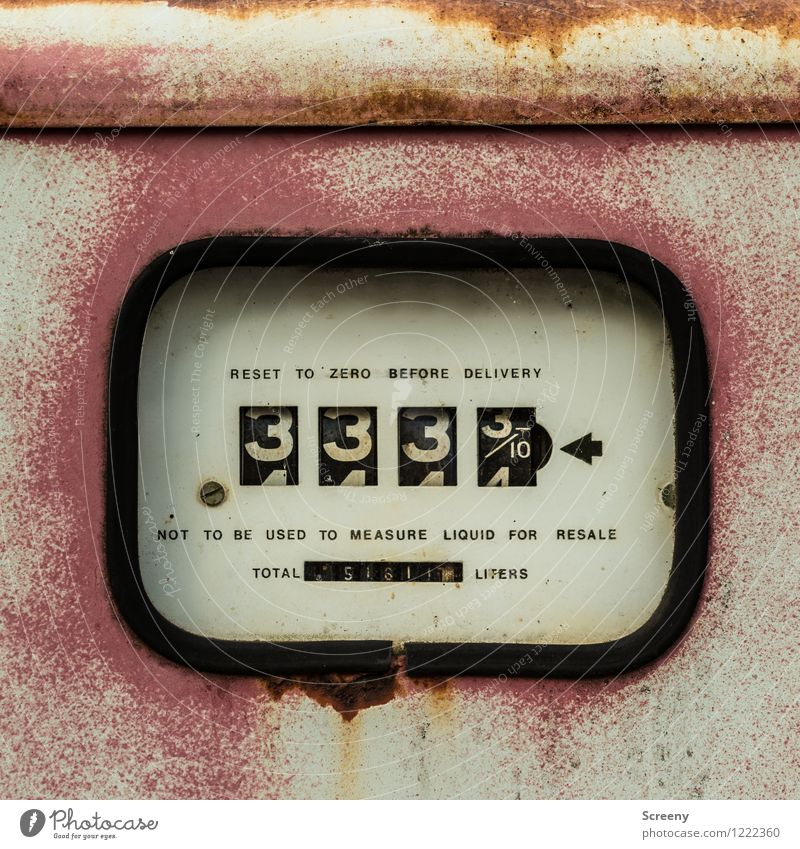 Old Metal Signs and labeling Characters Technology Retro Digits and numbers Rust Machinery Display Measuring instrument Price tag Patina Petrol pump