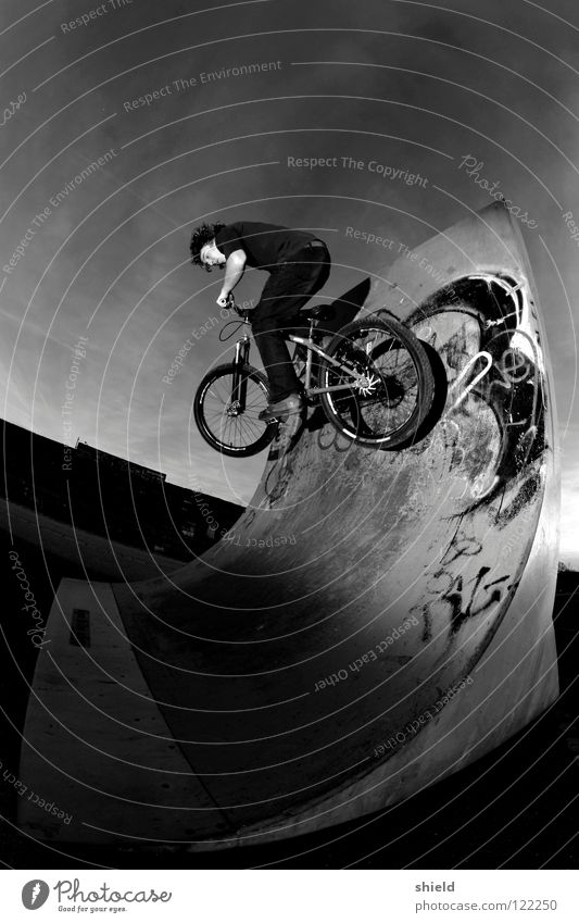 wall ride Mountain bike Bicycle Sports ground Halfpipe Wallride Playing 2wheel quarter