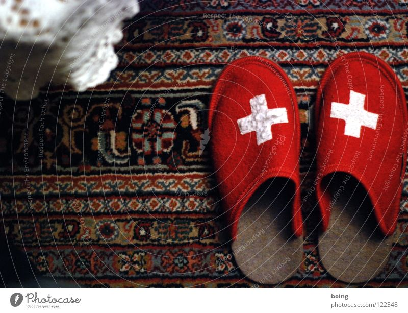 warm feet for the Swiss Red Slippers Shuffle Carpet Felt Living room Coffee break Siesta Suck Alphorn Costume Vacation & Travel Coat of arms Cuddly Savings book