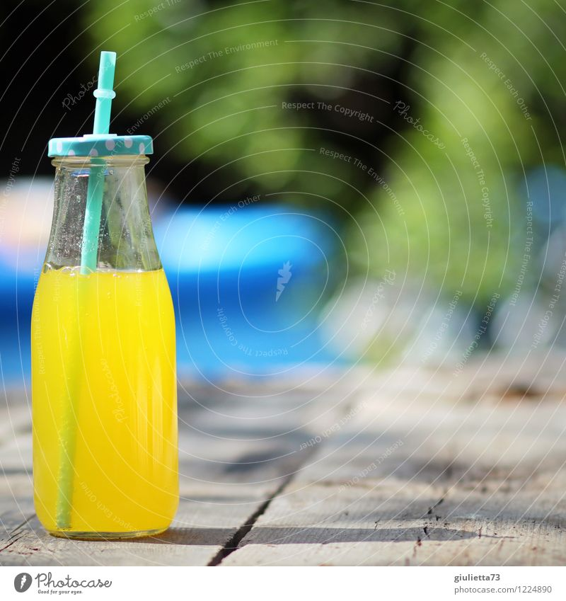 Limo in the garden Beverage Drinking Cold drink Lemonade Juice Bottle Glass Straw Glassbottle Lifestyle Harmonious Well-being Leisure and hobbies Summer