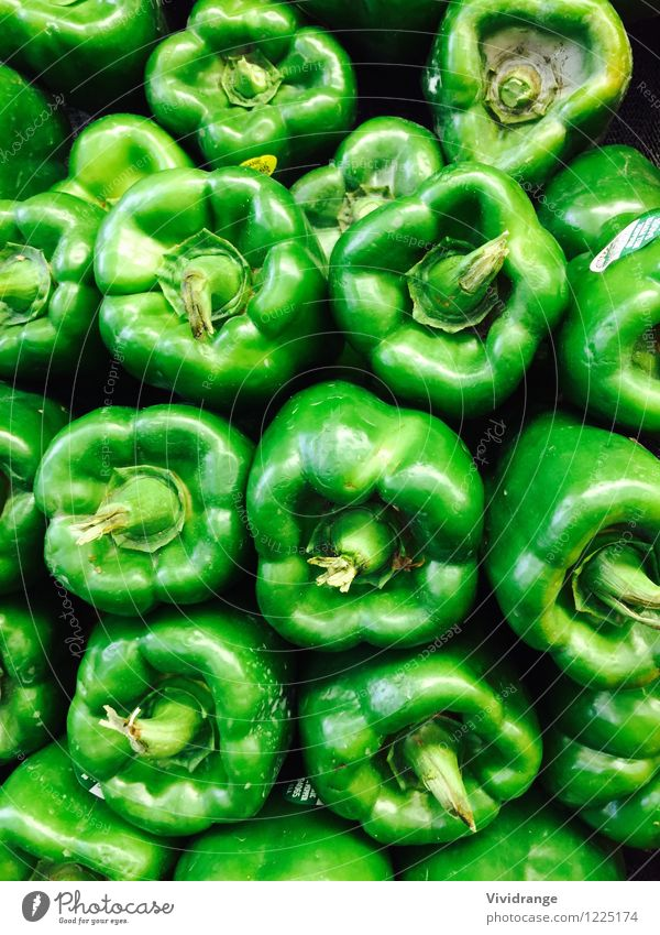 Green peppers Food Dairy Products Vegetable Nutrition Eating Organic produce Vegetarian diet Diet Well-being Agriculture Forestry Spring Summer Natural Juicy