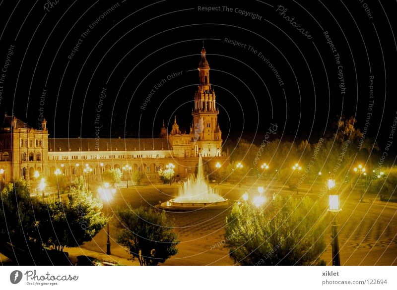 sevelle Water Sky Tree Black Lamp Dark Religion and faith Places Church Square Monument Historic Spain Landmark Temple Monastery