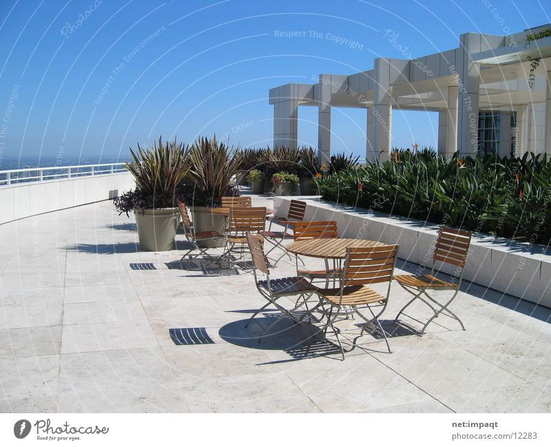 Architecture Flat (apartment) Places Break Chair Terrace Museum California Resting place Los Angeles Getty Center